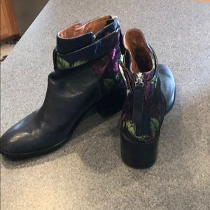 Jeffery Campbell Regan floral booties. Size 9